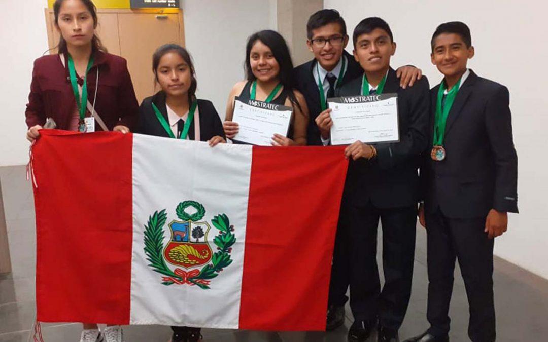 Estudiantes peruanos ganan primer, segundo y cuarto lugar en la feria de ciencia y tecnología más importante en la región
